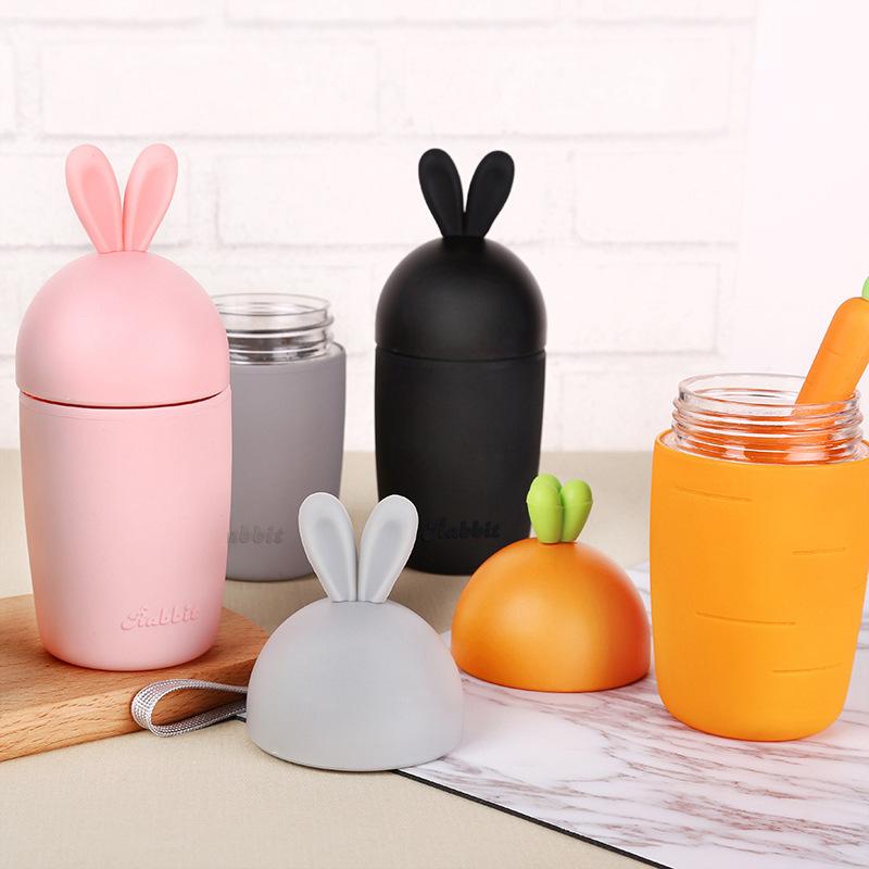 Bình nước hình cà rốt và tai thỏ